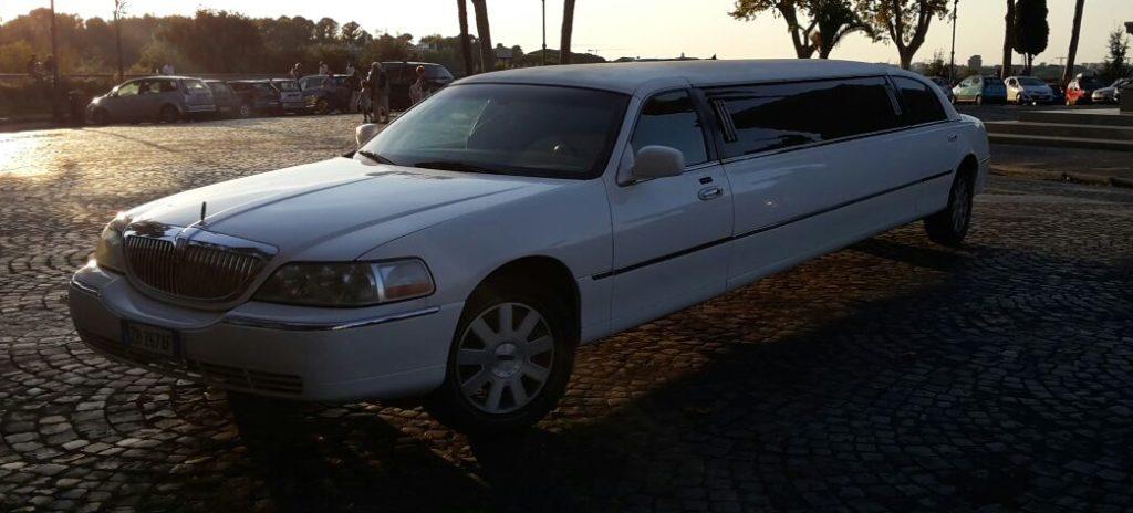 lincoln-limousine